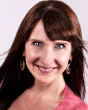 Rachael Jayne Groover, Founder of The Yin Project, Author of powerful and Feminine